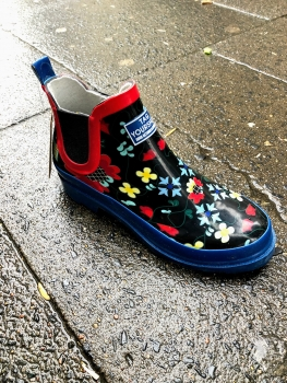Tag your shoes, Regenbootie Solveig